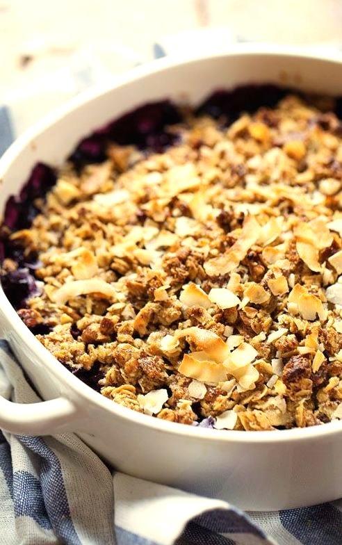 Oat and Pecan Blueberry Crisp