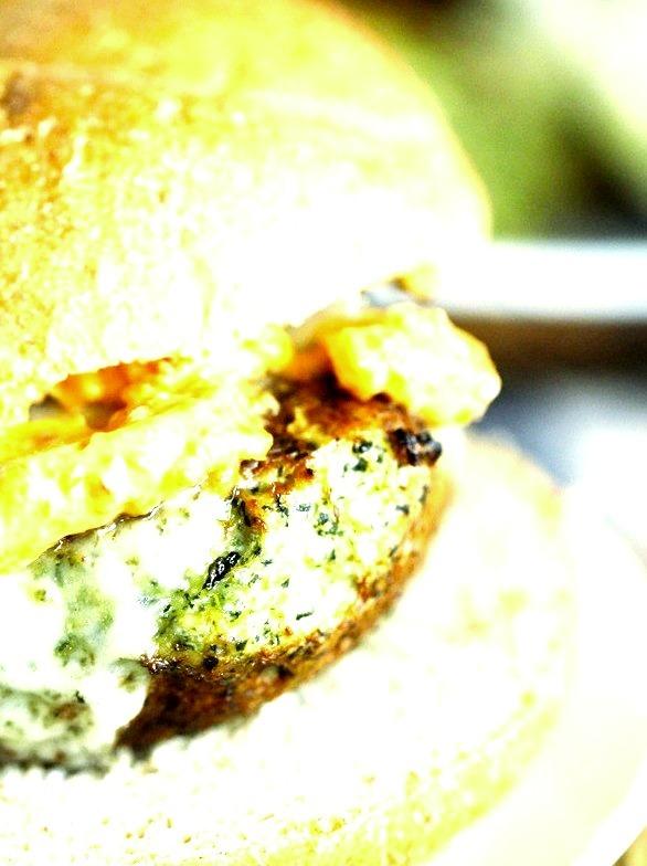 Spinach & Artichoke Turkey Burgers with Sun-dried Tomato Mayo