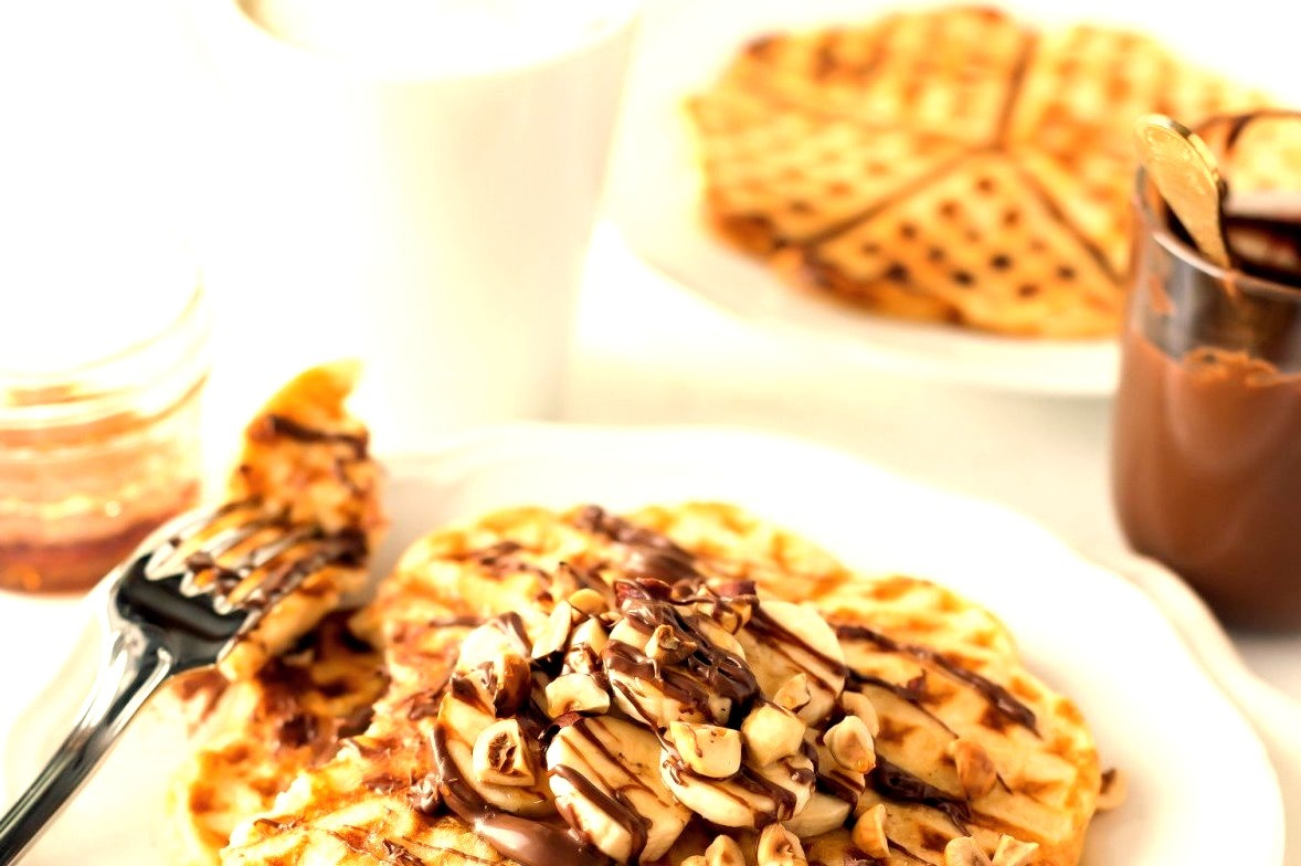 Buttermilk Banana Waffles with Nutella (recipe in English and German)
